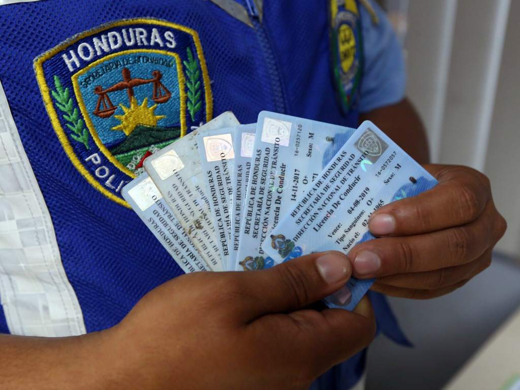 Requisitos para obtener la primera licencia de conducir en Honduras