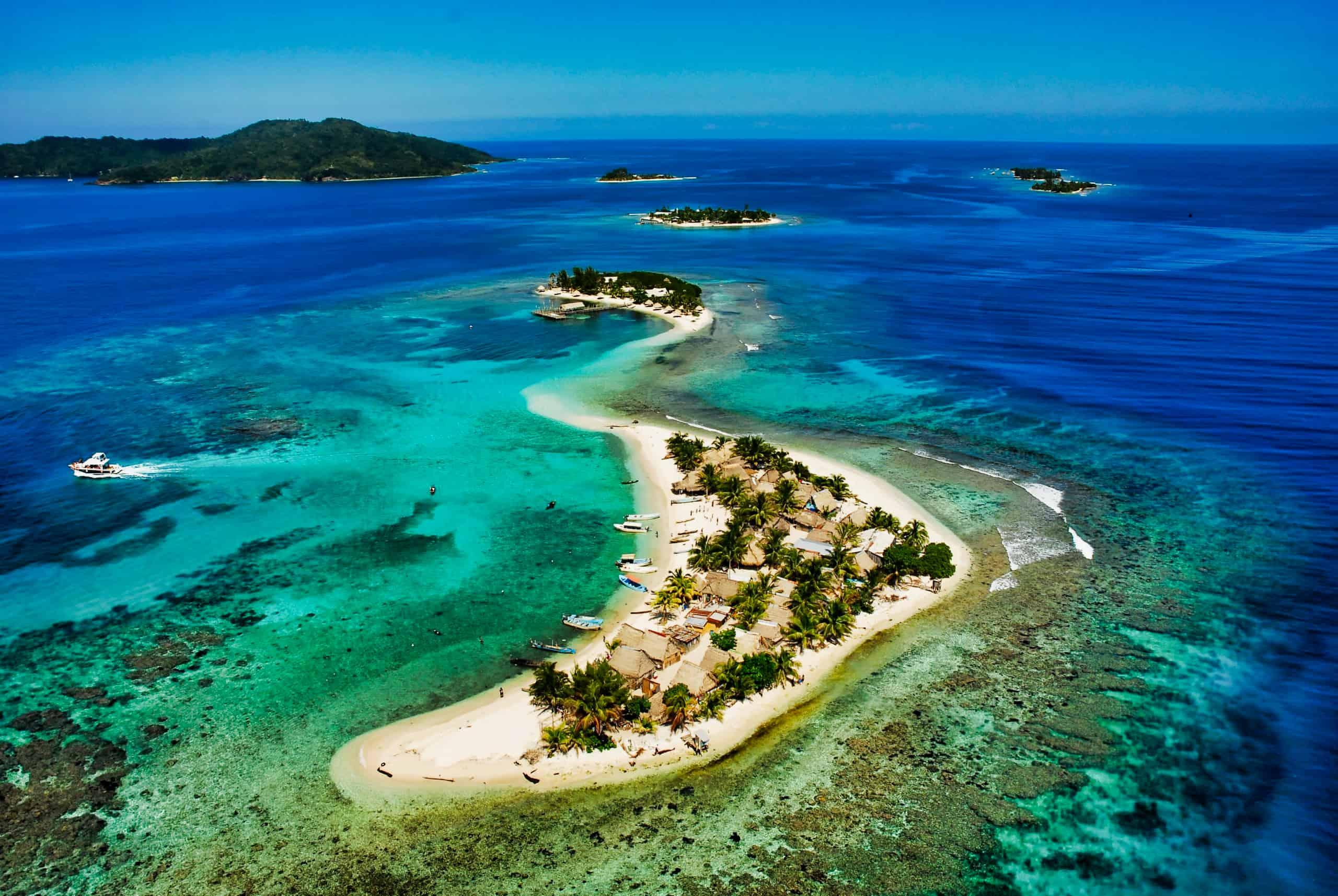 5 Razones para visitar Cayos Cochinos, el edén del caribe de Honduras