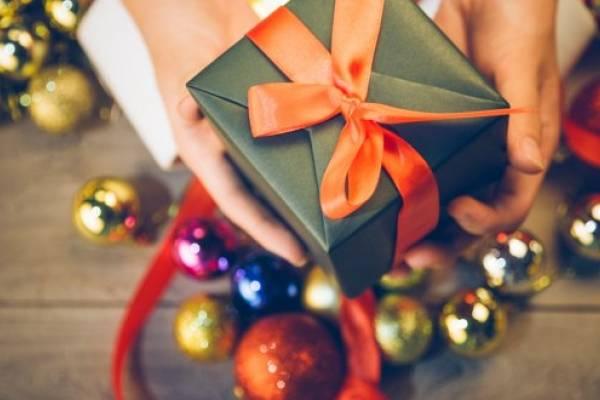 Los «cuchumbos» o amigo secreto, tradición navideña