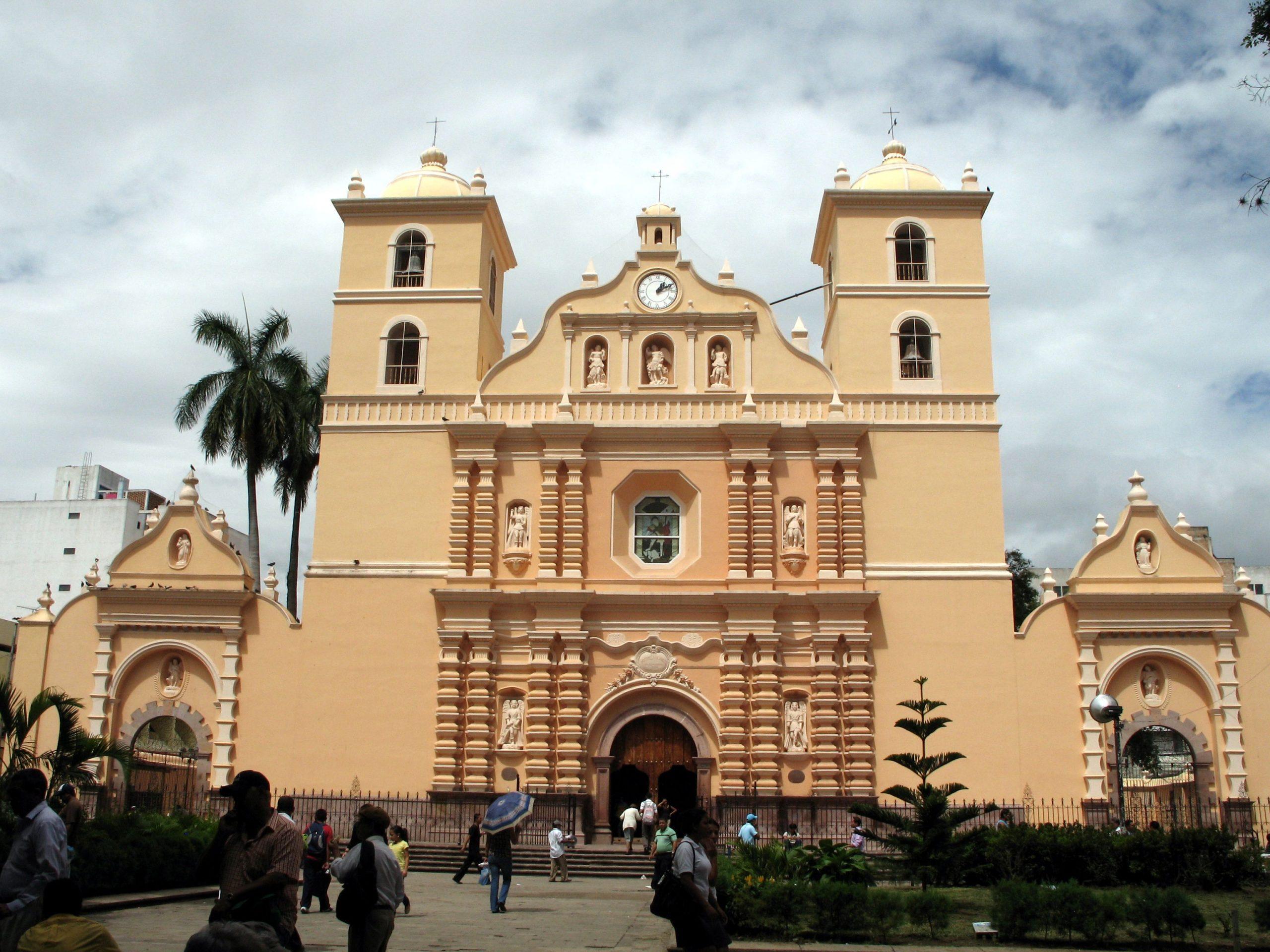 La Catedral de San Miguel Arcángel de Tegucigalpa