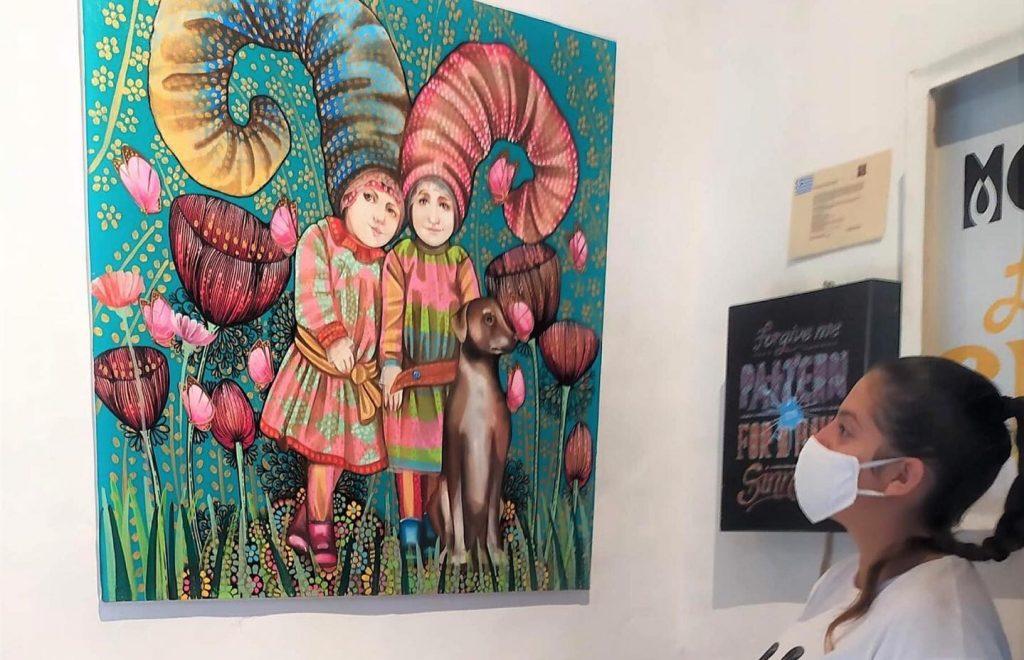 La artista Leticia Banegas expuso su arte en Grecia