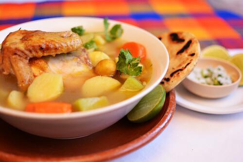 Receta Sopa de Gallina india hondureña