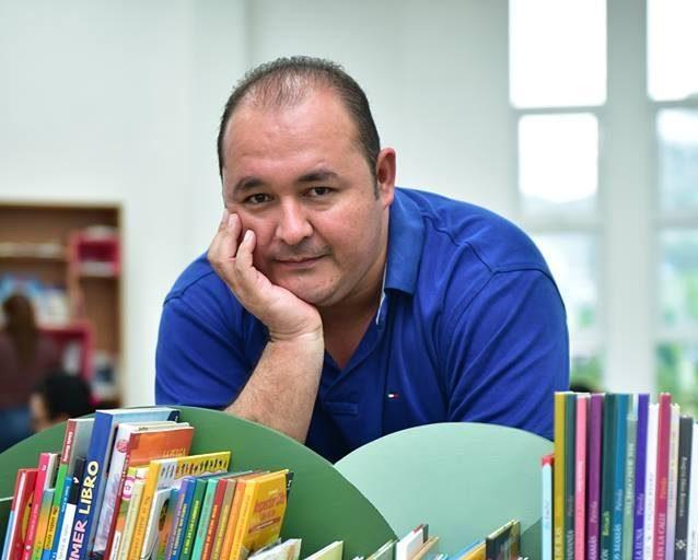 Poeta Salvador Madrid participa en el Festival de Poesía en Medellín