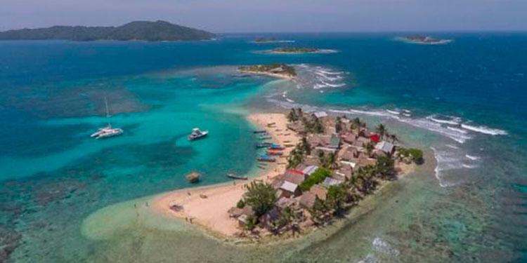 Reanudan viajes turísticos a Cayos Cochinos en Honduras