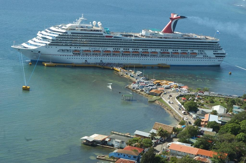 En diciembre del 2020 inicia la llegada de cruceros a Roatán