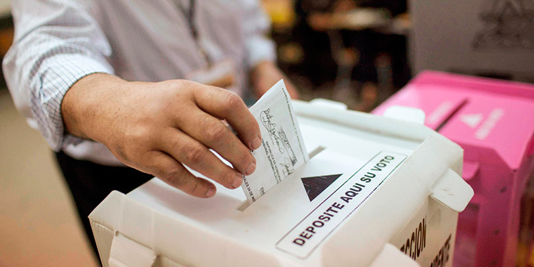Hondureños podrán votar en el extranjero con nueva tarjeta de identidad