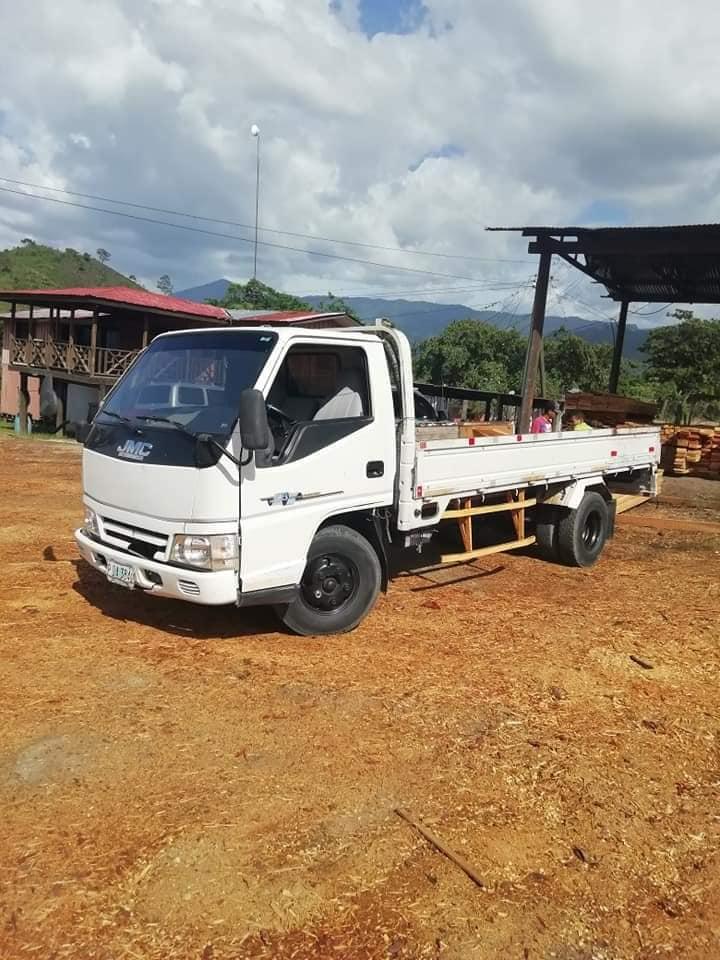 Hondureño ofrece fletes gratis para evacuar por Huracán ETA en Yoro