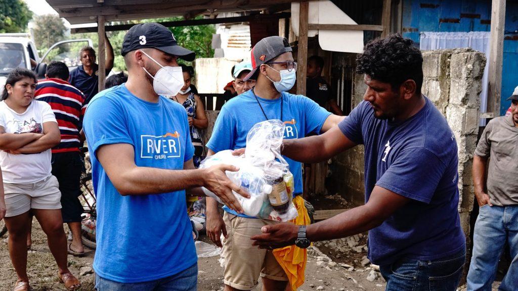 Pastor Dante Gebel envió ayuda humanitaria a Honduras