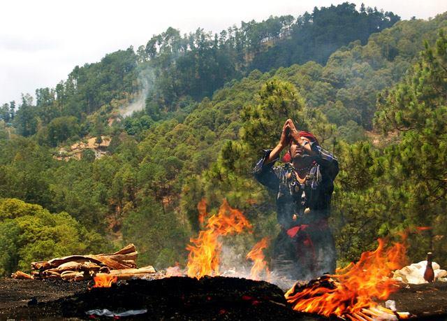 Ceremonia de Tzikin, celebración de la cultura Maya