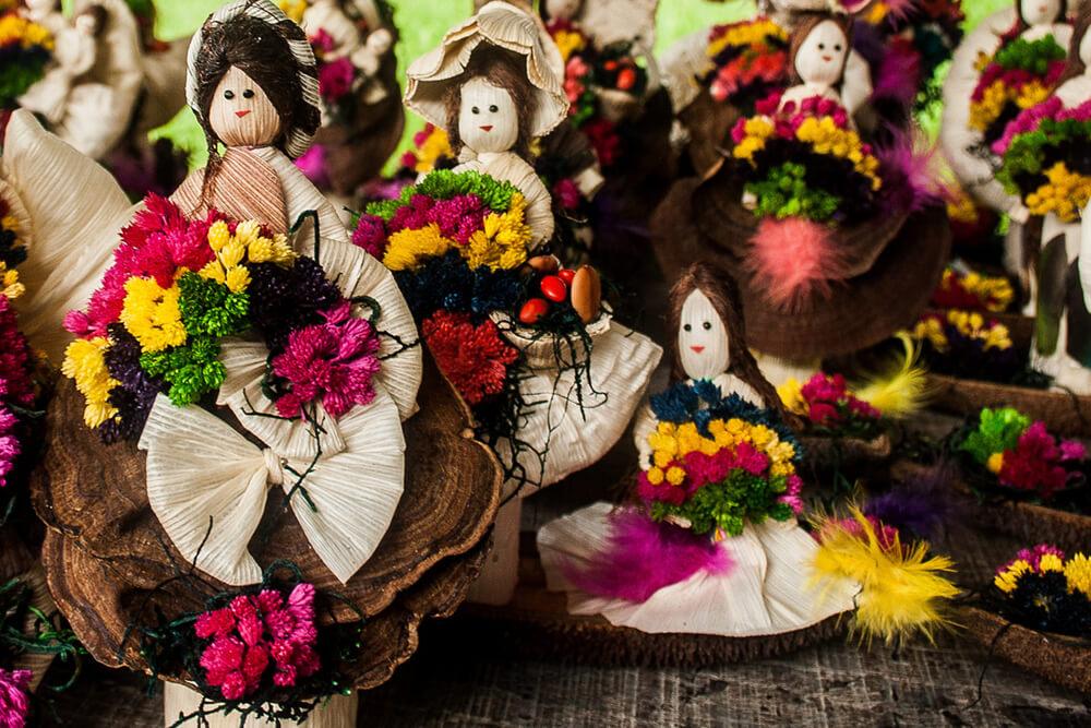Muñecas de Tusa, tradicionales artesanías de la Aldea La Pintada