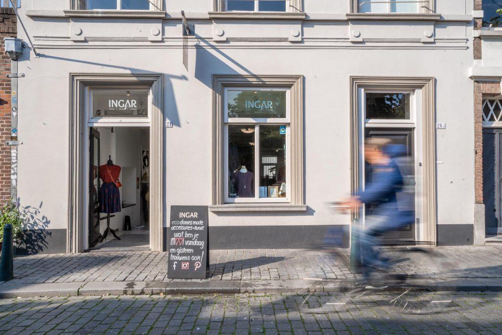 Hondureña sobresale en Holanda con su tienda de ropa sostenible