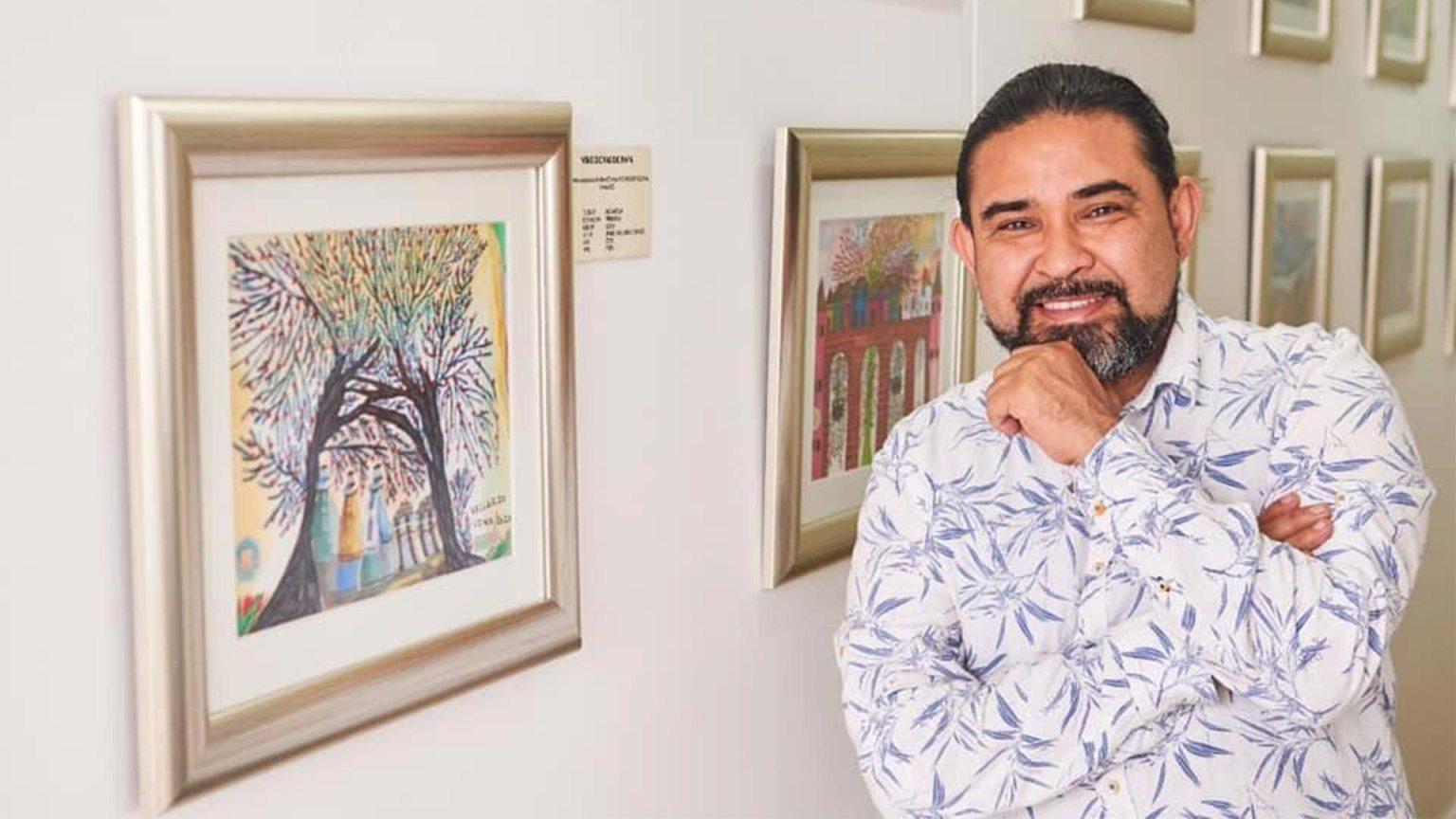 Jaime Vallardo, artista hondureño que pinta jícaros