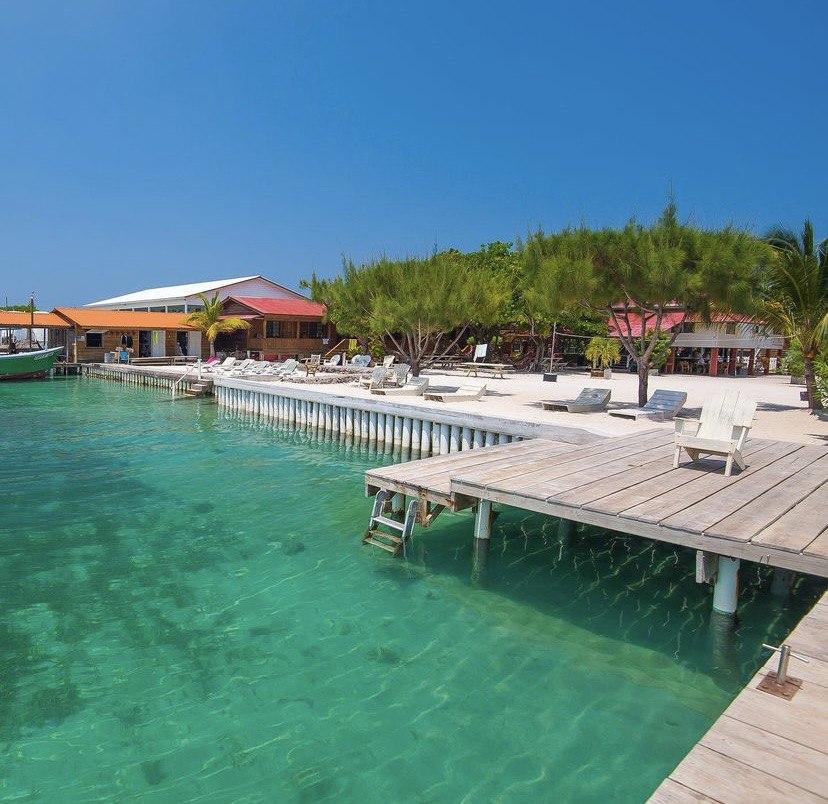 Las playas que puedes visitar en la Isla Útila, Honduras