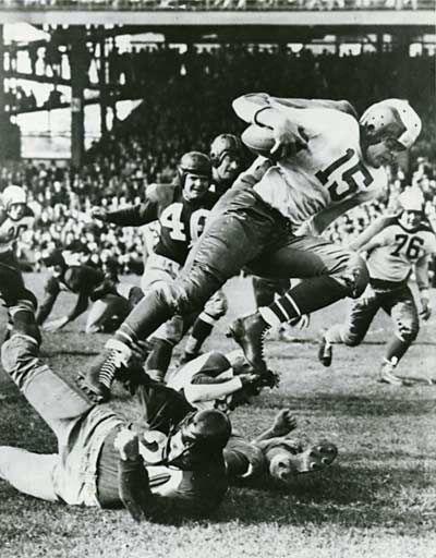 El primer hondureño en jugar en la NFL