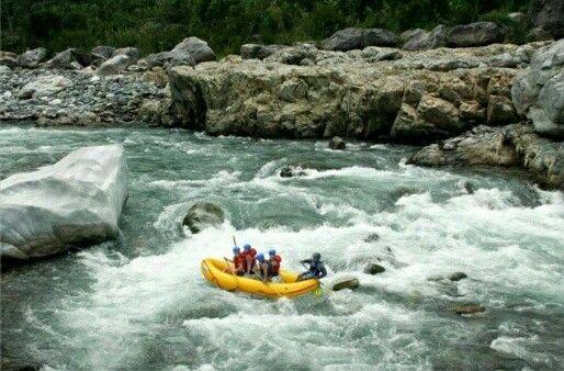 Rafting en el Río Cangrejal, vive con tu familia una experiencia diferente