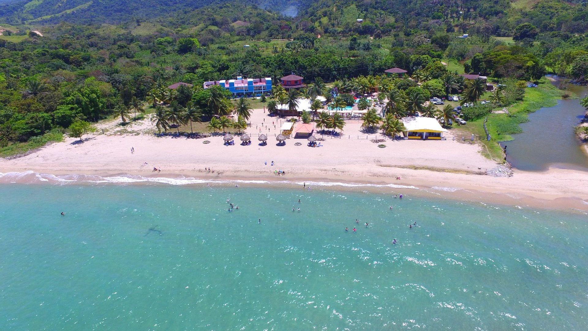 Banana Beach Resort, un escape tropical en Trujillo, Honduras