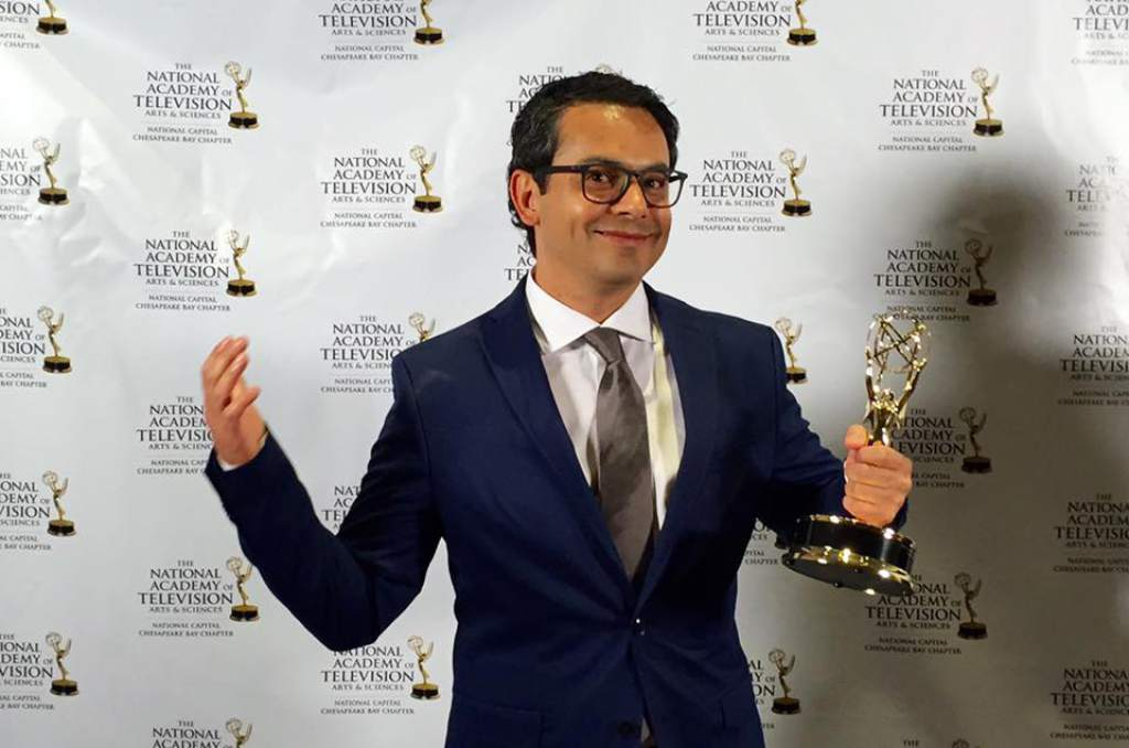 Hondureño Mario Ramos donó un Emmy al MIN de Honduras