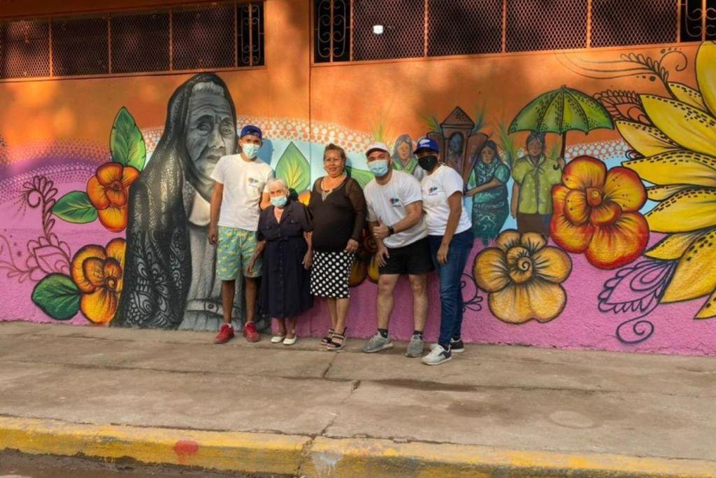 Crean mural de la hondureña más longeva de Lejamaní, Comayagua