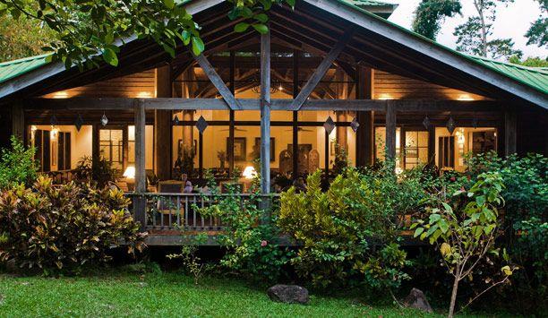 Un escape romántico, The Lodge at Pico Bonito