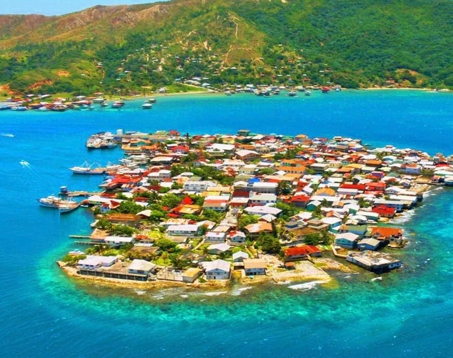 Bonacca Cay, Ciudad sobre el agua