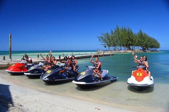 Jet Ski en Roatán, un recorrido por la isla