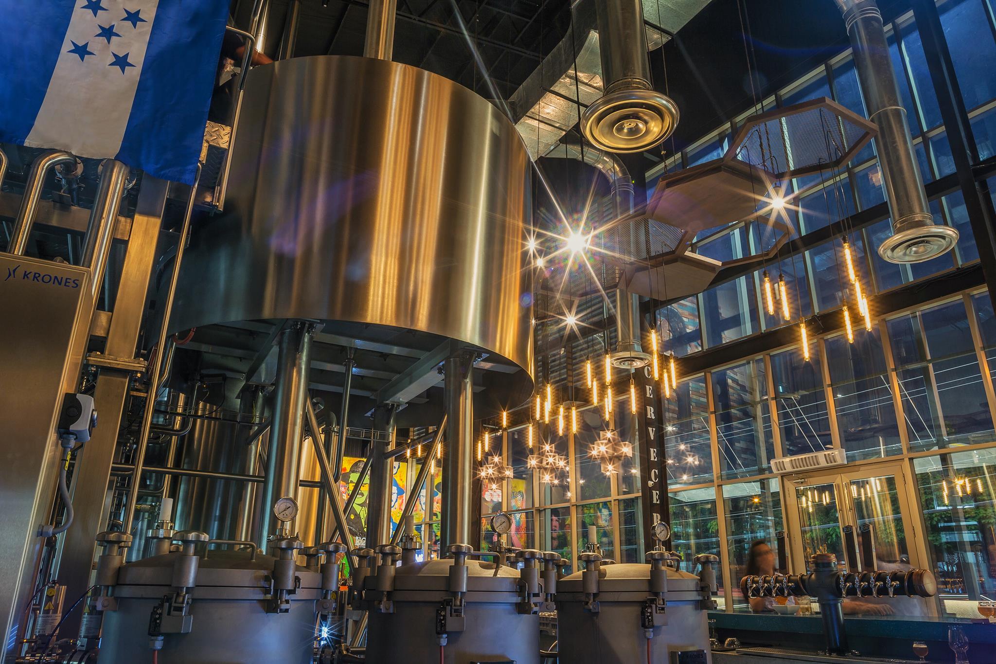 Tour en Cervecería LA20, fabrica de cerveza artesanal