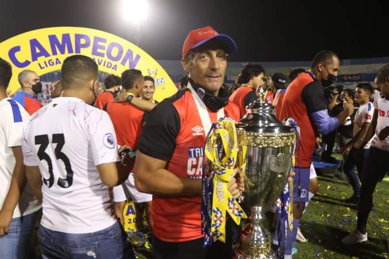 Olimpia se corona tricampeón de la Liga Nacional de Honduras