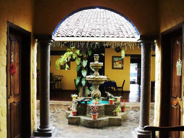 Hotel Caxa Real, un viaje a la época colonial