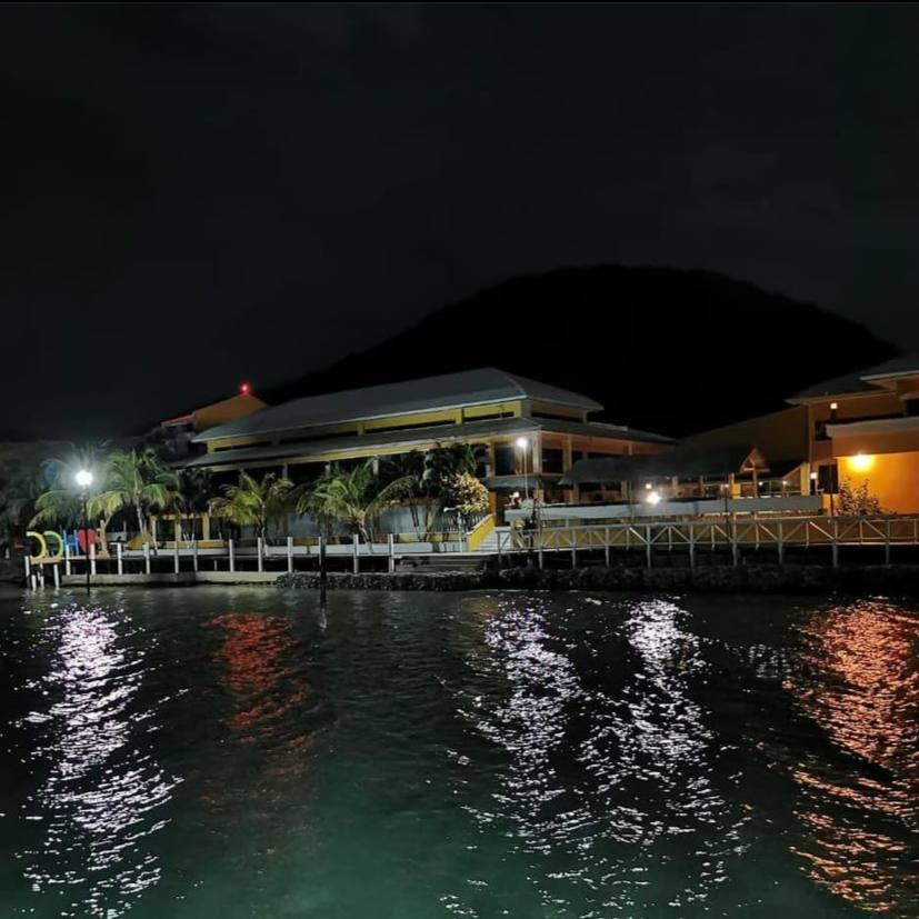 Hotel Christopher Columbus Beach
