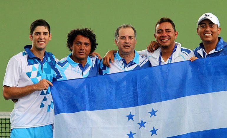 Hondureño Alejandro Obando sigue destacando en Copa Davis
