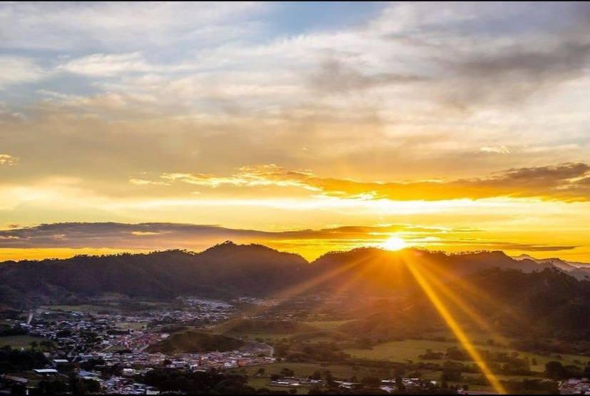 Lugares ideales en Honduras, para ver los mejores atardeceres