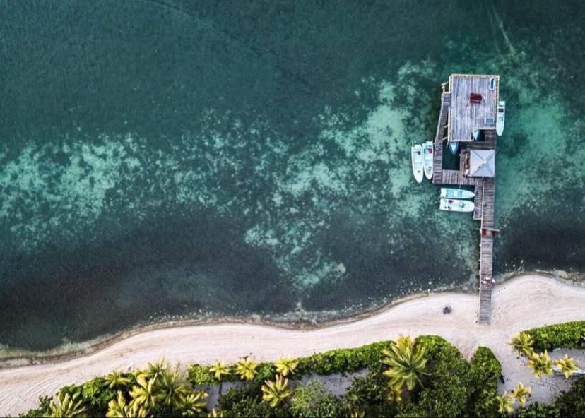Fly Fish Guanaja Lodge pequeño hotel en la bahía