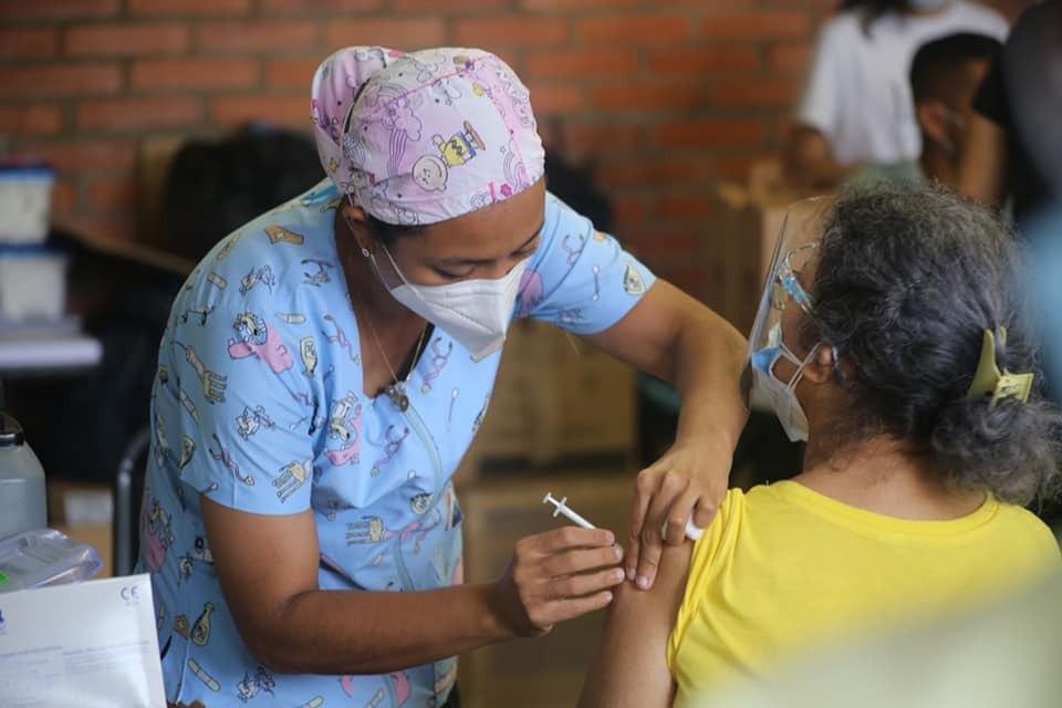 Pasos para recibir la vacuna contra Covid-19 en Honduras