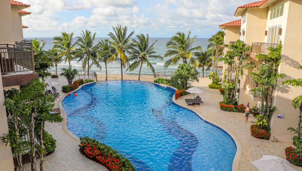Playa Escondida Beach Club, un destino para hospedarse frente a la playa de Tela