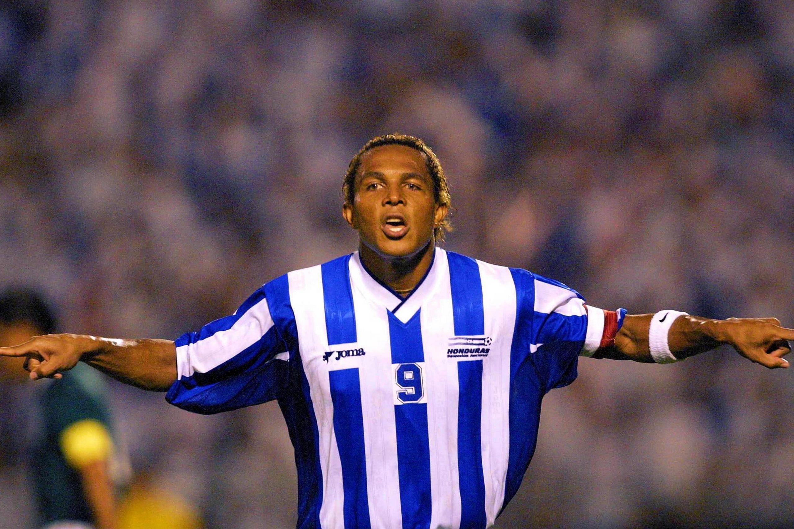 Carlos Pavón elige el mejor gol de cabeza con la Selección de Honduras