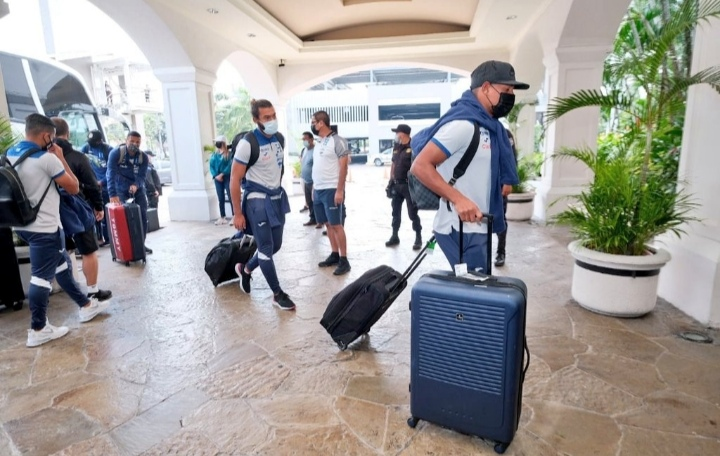 Selección de Honduras llega a El Salvador para partido eliminatorio