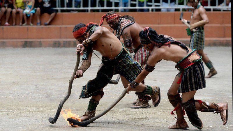 Ritual del Juego de la pelota Maya en llamas