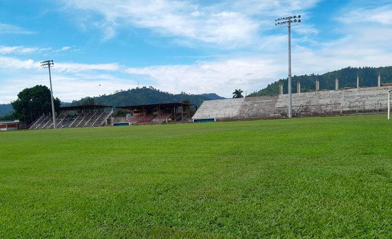 Fenafuth reconstruirá muro perimetral del Estadio Marcelo Tinoco en Danlí