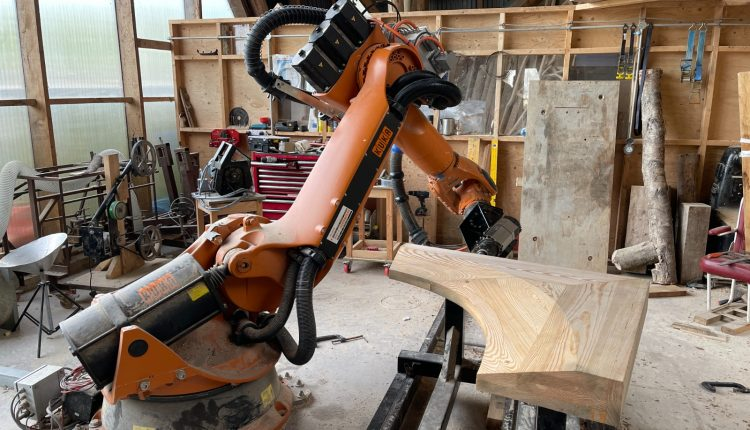 Instalarán fábrica de carpintería en Roatán Próspera