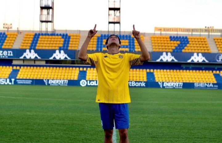 Joven futbolista hondureño ficha por el AD Alcorcón de España