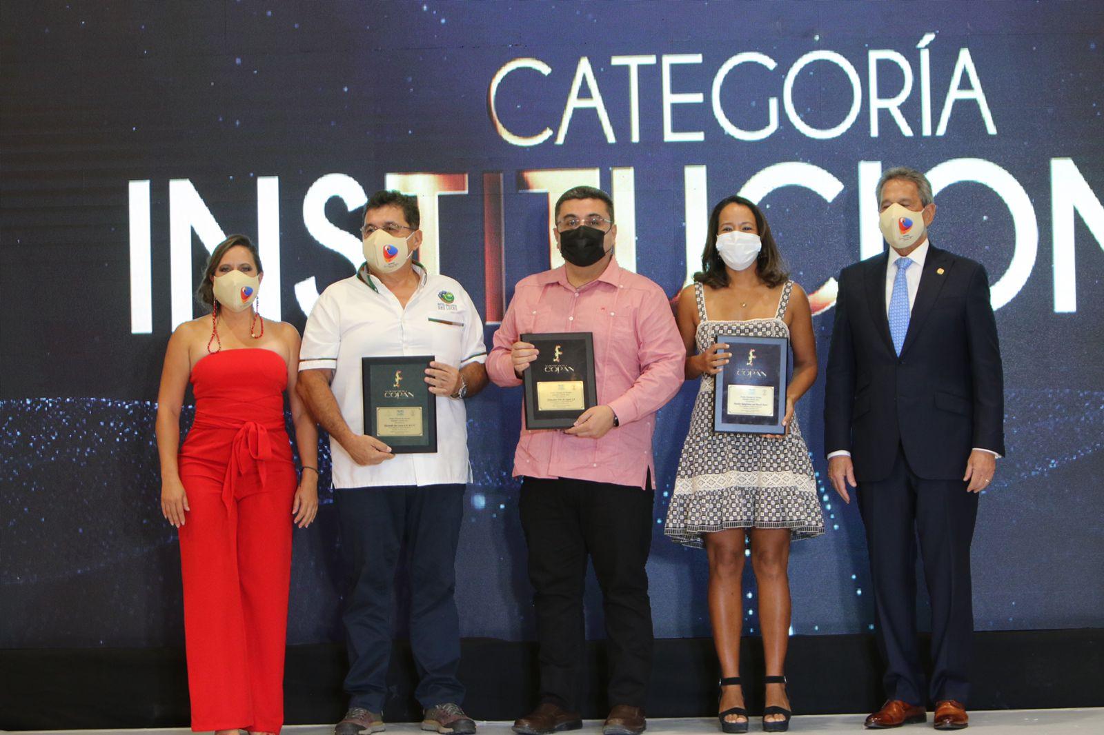 Lloyd Davidson y Hacienda San Lucas, ganadores de los Premios Copán