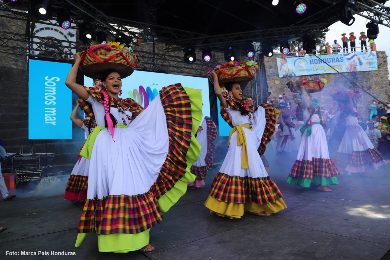 La Esperanza se llenó de talento con el Festival Folklórico
