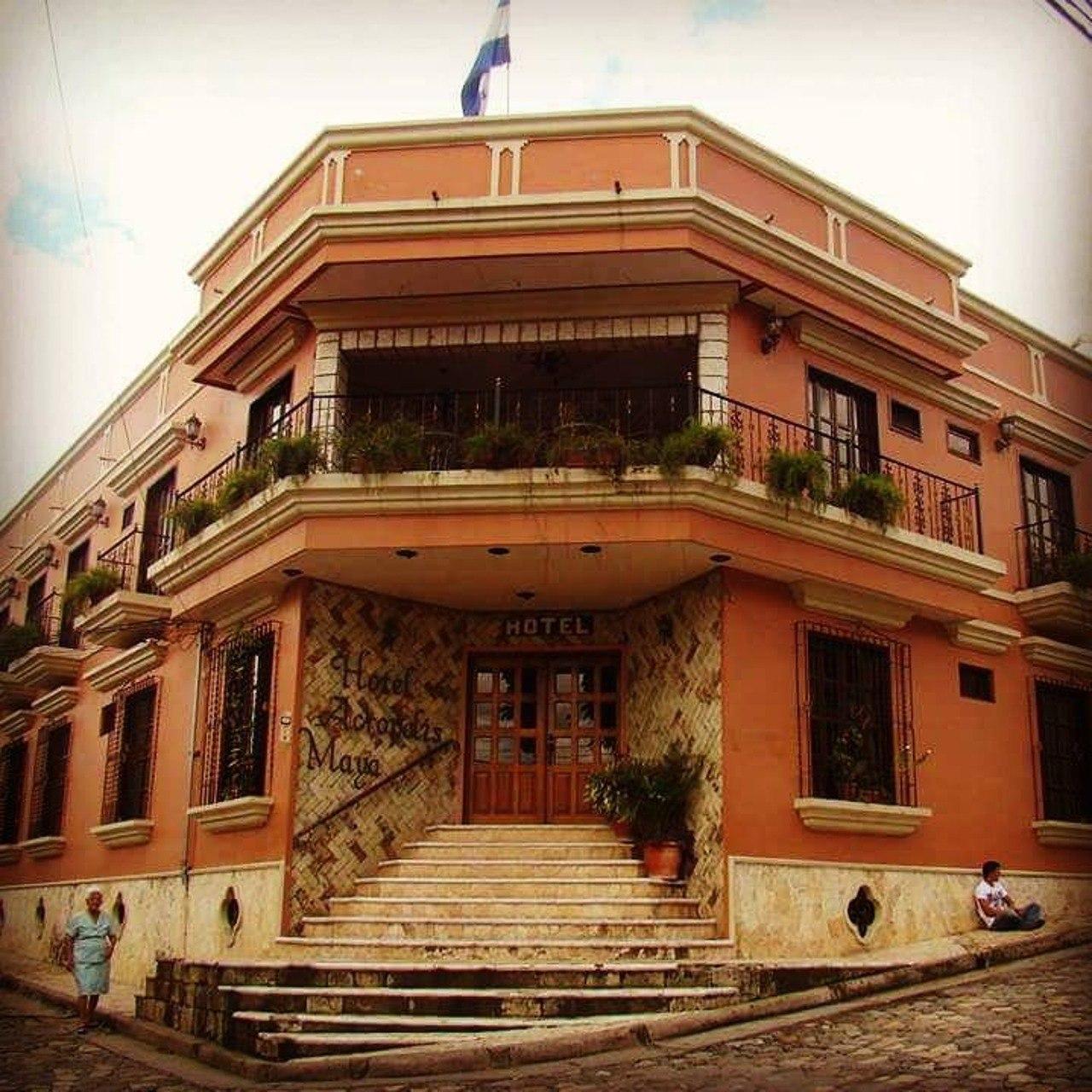 Hotel Acrópolis Maya en el centro de Copán Ruinas