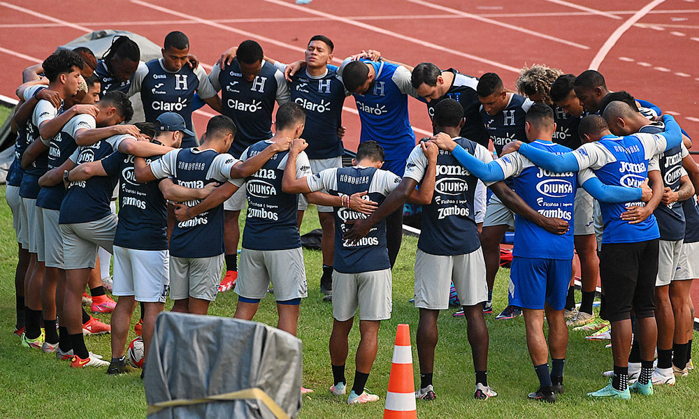 Selección de Honduras se reporta lista para partido ante Costa Rica